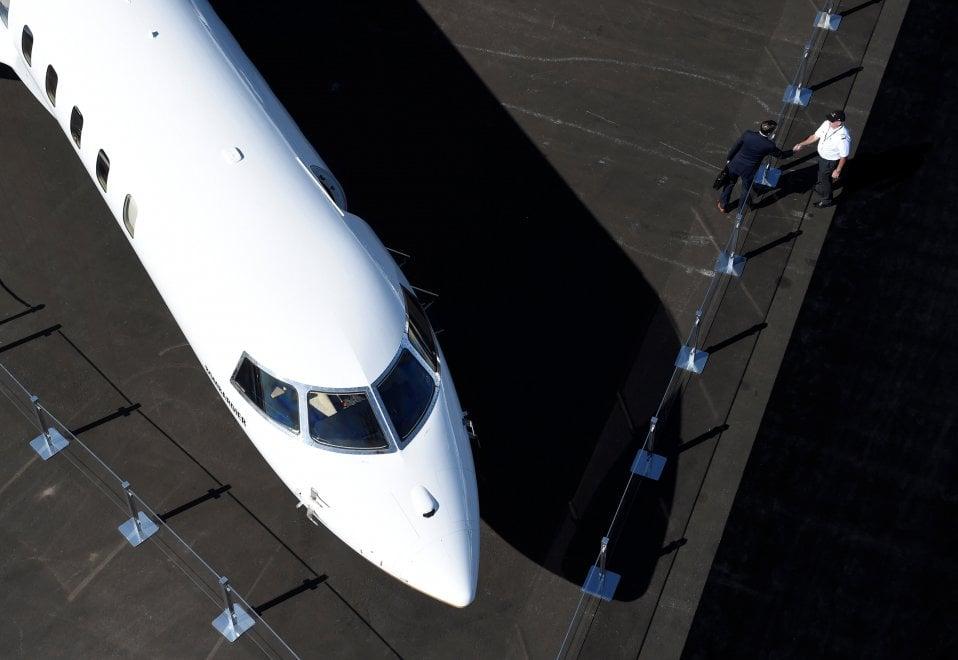 Aereo Privato Piu Grande Al Mondo : Zona living e camera da letto ecco il jet privato più