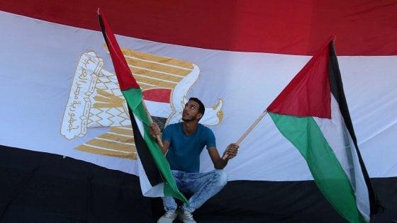 """Palestina, leader Hamas annuncia accordo di conciliazione con Fatah. """"Presto un governo di unità nazionale"""""""