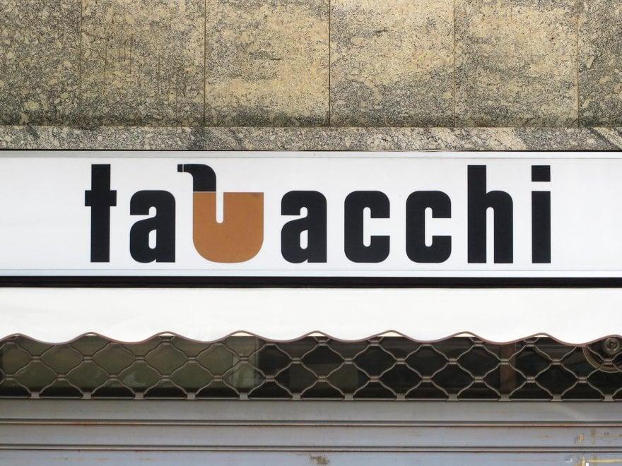 """""""Lettering da..."""", in giro per le città con il naso in su a caccia di vecchi alfabeti"""