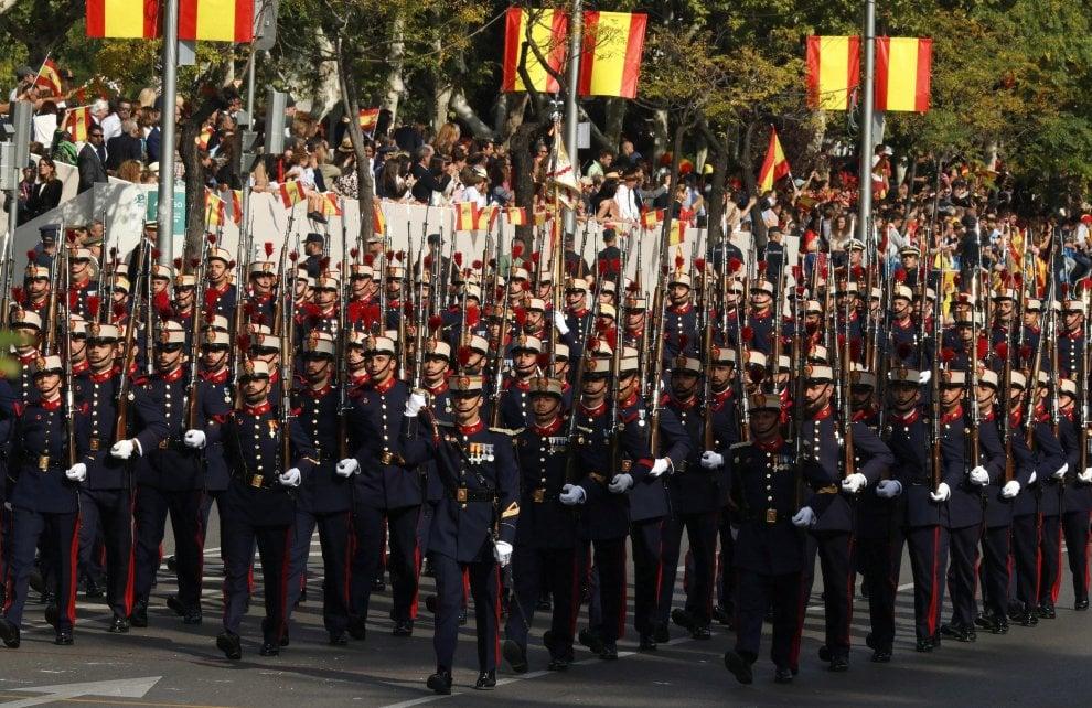 Spagna, festa nazionale all'ombra della crisi catalana