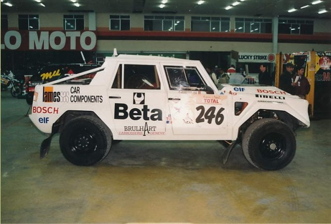 La Lamborghini LM 002 che Munari preparò per la Parigi Dakar