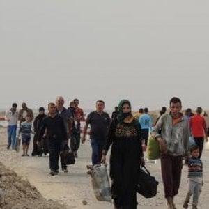Iraq, l'offensiva di Hawija spinge 14.000 persone a fuggire nei distretti circostanti