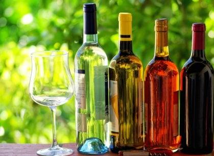 Bere bene senza svenarsi: ecco i vini con il miglior rapporto qualità/prezzo