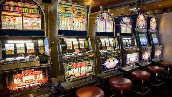 I misteri dell&acuteaccordo tra il fratellastro di Lady D e il re delle slot machine