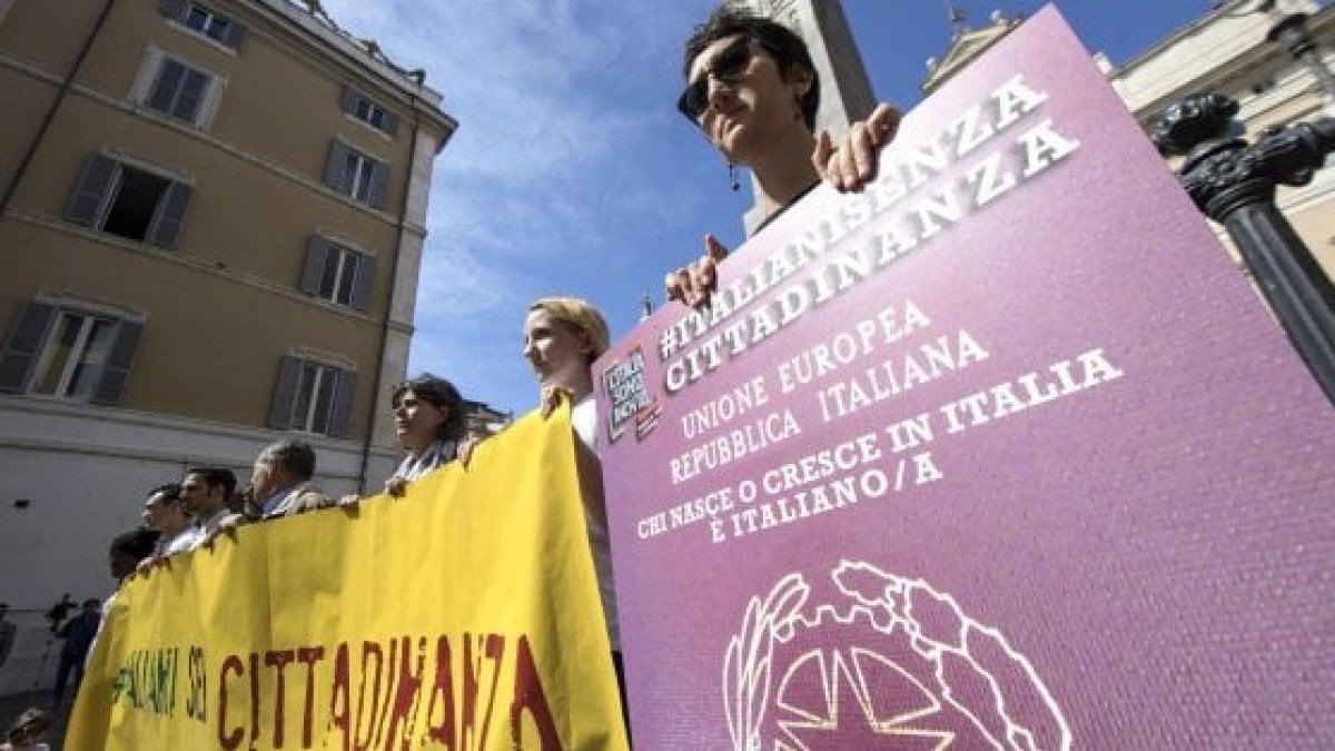Ius soli il 39 cittadinanza day 39 in piazza per chiedere for Legge della repubblica