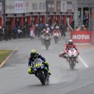 MotoGp, Giappone&#x3b; Dovizioso sorride: ''Con la pioggia la Ducati c'è''. Rossi sconsolato: ''Un disastro''