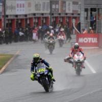 MotoGp, Giappone; Dovizioso sorride: ''Con la pioggia la Ducati c'è''. Rossi sconsolato: ''Un disastro''