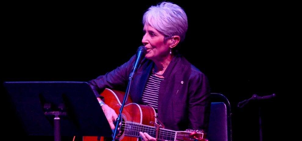 """Joan Baez: """"Il mio tour negli Usa in onore di Lampedusa"""""""