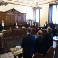 Processo per l'attico di Bertone: condannato a un anno l'ex presidente del