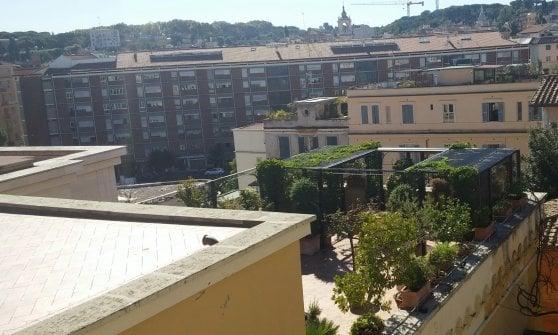 Processo per l'attico di Bertone: condannato a un anno l'ex presidente del Bambino Gesù