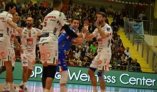 Volley, Superlega: la Lube parte forte. Milano sorprende Trento