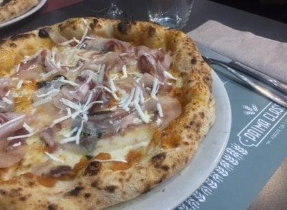 La pizza viaggia in Prima Classe: la nuova avventura di Enzo Bastelli