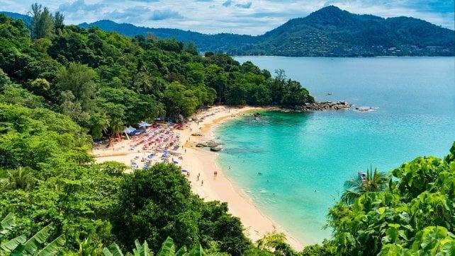 Thailandia: niente fumo nelle spiagge top