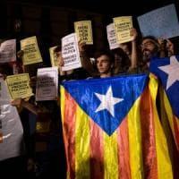Catalogna, proteste in piazza per l'arresto dei due leader indipendentisti
