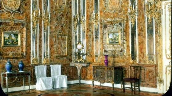"""""""La Camera d'Ambra rubata dai nazisti è nascosta in Germania"""": l'annuncio di tre cercatori di tesori"""