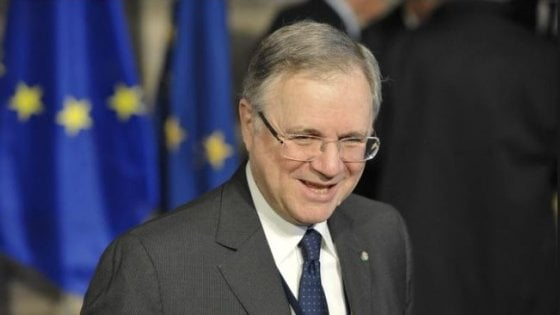 """Bankitalia, sì a mozione Pd contro Visco. Mattarella: """"Si rispetti l'interesse del Paese"""""""