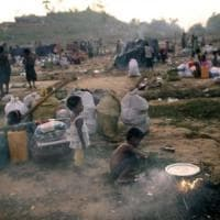 Myanmar,  è salito a 15.000 il numero di rifugiati bloccati al confine