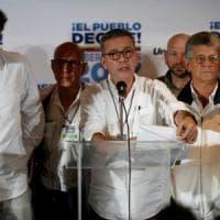 """Venezuela, opposizioni denunciano brogli nel voto regionale. E Caracas sfida Usa e Ue: """"Ci..."""