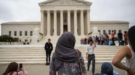 Usa, giudice delle Hawaii blocca il nuovo bando agli immigrati