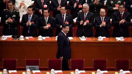 """Cina, Xi inaugura il Congresso del partito: """"La nostra economia non si chiuderà al mondo"""""""