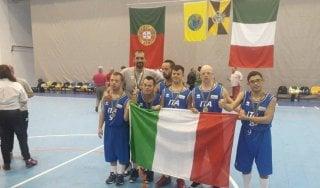 Basket: la Nazionale italiana sindrome di Down vince l'oro agli Europei