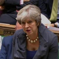 """May, la lettera aperta: """"Cari europei, potrete restare in Gran Bretagna"""""""