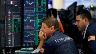 Si avvita la crisi catalana,Borse Ue in rosso.Scivola Fca,Wall Street tira il fiato