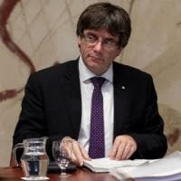 "Catalogna, Puigdemont: ""Indipendenza se Madrid sospende autonomia"". Rajoy: ""Sabato..."