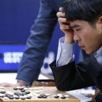 Ora AlphaGo impara da solo: l'intelligenza artificiale vince senza l'aiuto umano