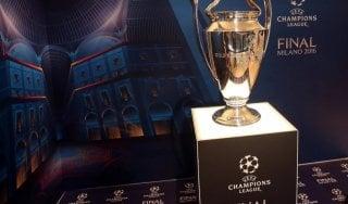 Champions, la coppa dalle 'grandi orecchie' torna a Roma: esposta a Piazza del Popolo
