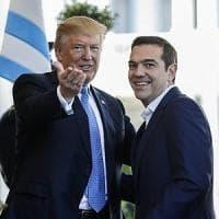 """Tsipras vara il """"dividendo sociale"""". Un miliardo a Natale ai più poveri"""