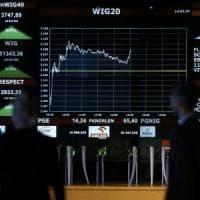 Le Borse europee tirano il fiato dopo le tensioni catalane