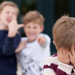 """""""No al bullismo"""", un sms o una chiamata per fermare l"""