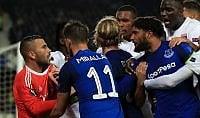 Pugni a portiere del Lione radiato tifoso Everton   Vd