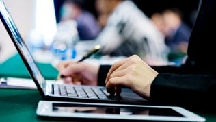 """""""Accesso libero ai prof nei computer degli studenti"""""""