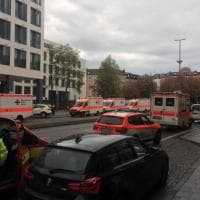 Monaco, uomo attacca passanti con coltello: l'arrivo dei soccorritori