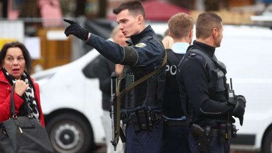 Monaco, uomo attacca i passanti con un coltello: fermato. Polizia: