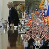 """Catalogna, Rajoy applica art. 155: """"Elezioni entro sei mesi"""". Barcellona scende in..."""