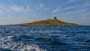 """Isola delle Femmine è in vendita:costa 3,5 milioni di euro.Il sindaco: """"Una provocazione"""""""