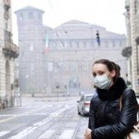 """Pioggia e vento ancora non bastano. Milano e Torino """"prigioniere"""" dello smog"""