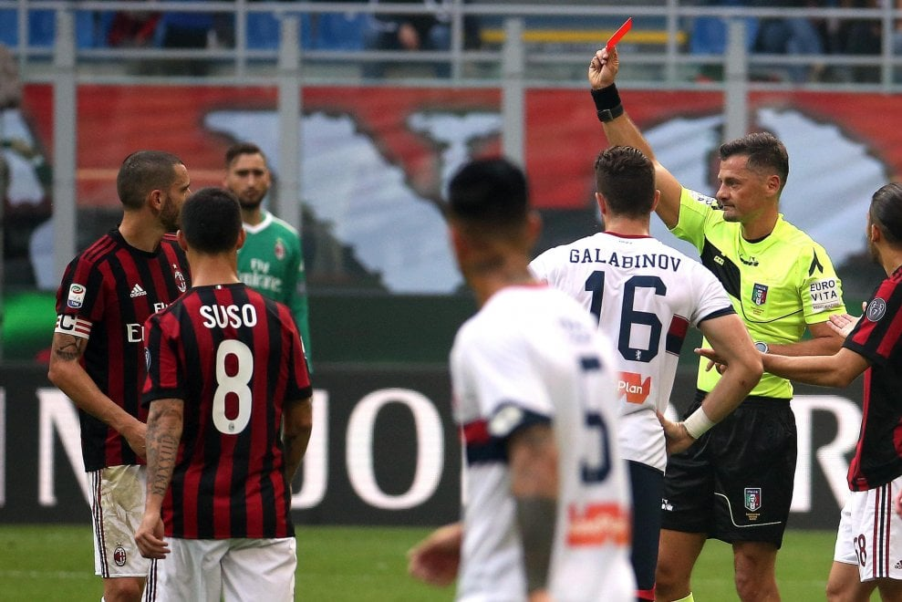 Milan-Genoa: Bonucci espulso con il Var