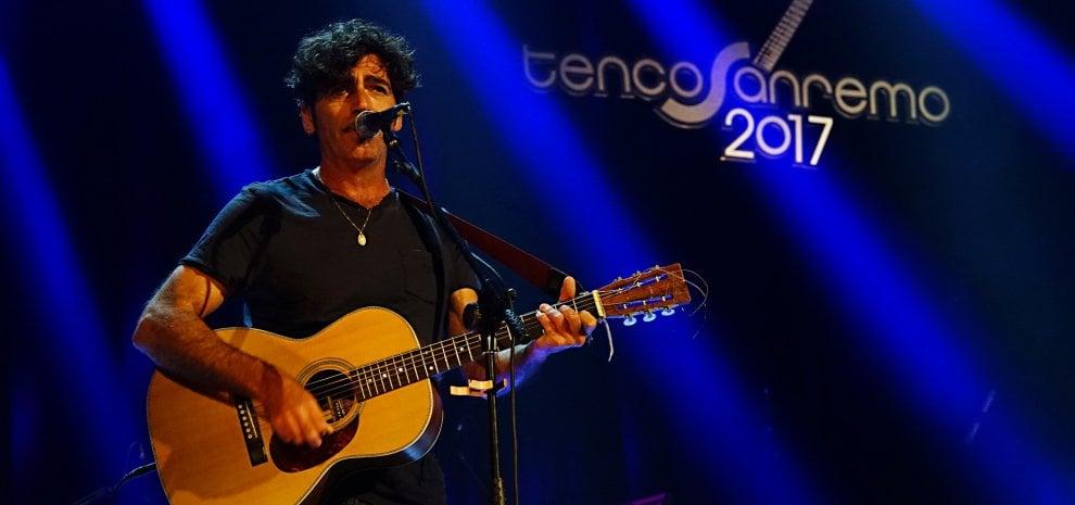Premio Tenco 2017, via dal mondo, nel cuore: da Capossela a Bobo Rondelli, l'Italia che suona