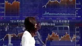 Borse positive, Tokyo brinda ad Abe