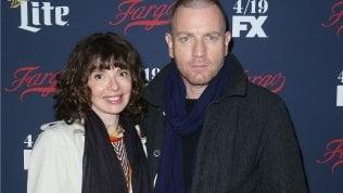 Ewan McGregor bacia la collega di Fargo e divorzia dopo 22 anni