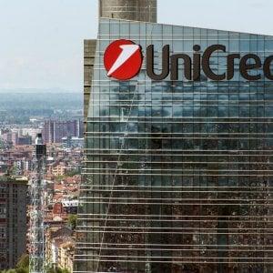 Unicredit, nei nove mesi boom degli utili ma ricavi in calo