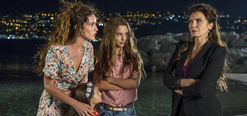 39 sirene 39 il golfo di napoli diventa fantasy con la - Barbi sirene 2 film ...