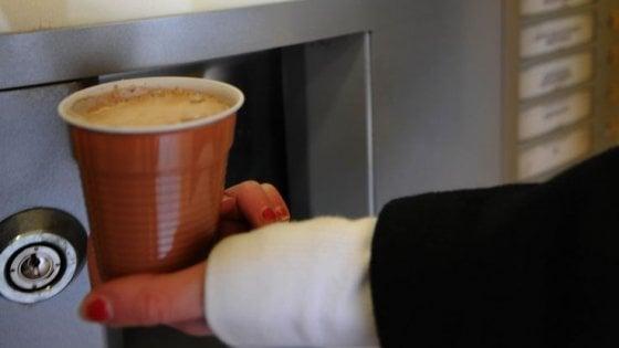 Tre miliardi di caffè alla macchinetta. È italiano il record di distributori automatici