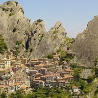 Scoprire i borghi fantasma italiani. Nella notte di Halloween