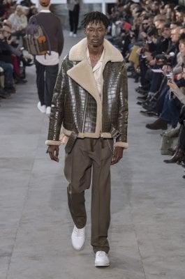 Cappotti, scarpe e caban: il nuovo stile copia l'aristocrazia