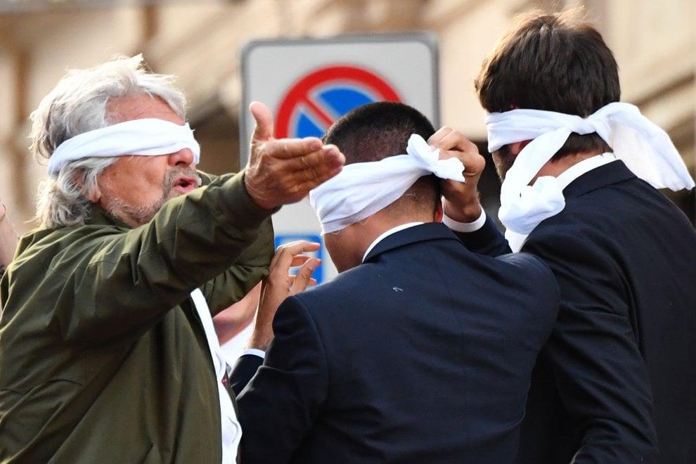 """Legge elettorale, M5s in piazza con Grillo: """"Hanno paura di noi"""""""